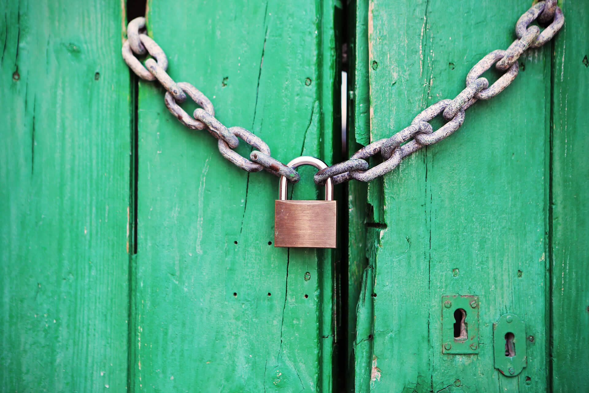 Puertas blindadas vs. Puertas acorazadas